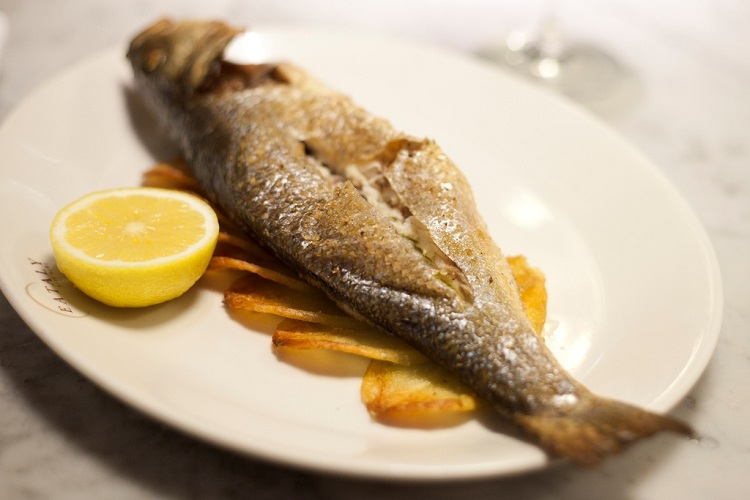 whole fish with lemon and potatoes at Il Pesce, Eataly's seafood restaurant