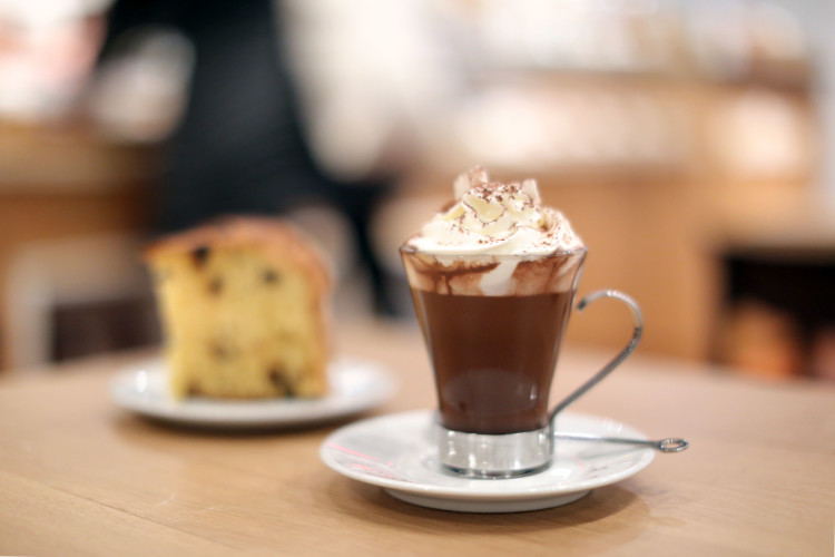eataly-downtown-lavazza-hot-chocolate-panettone