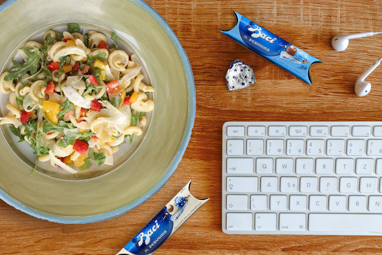 7 Ways To Upgrade Your Desk Lunch