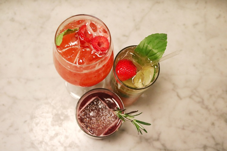 manzo summer berry cocktails