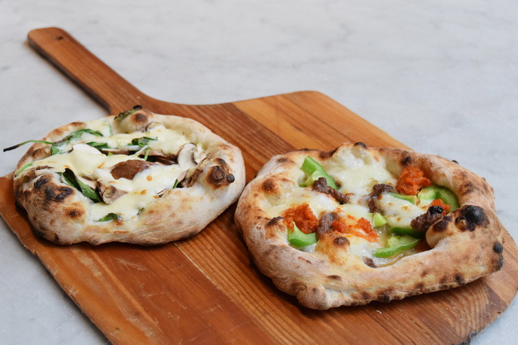 Quattro Mani: Pizza Pairings with Ruxbin and Mott St