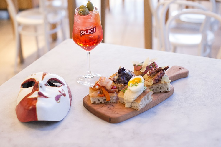 eataly-downtown-carnevale-mask-cicchetti-3_4