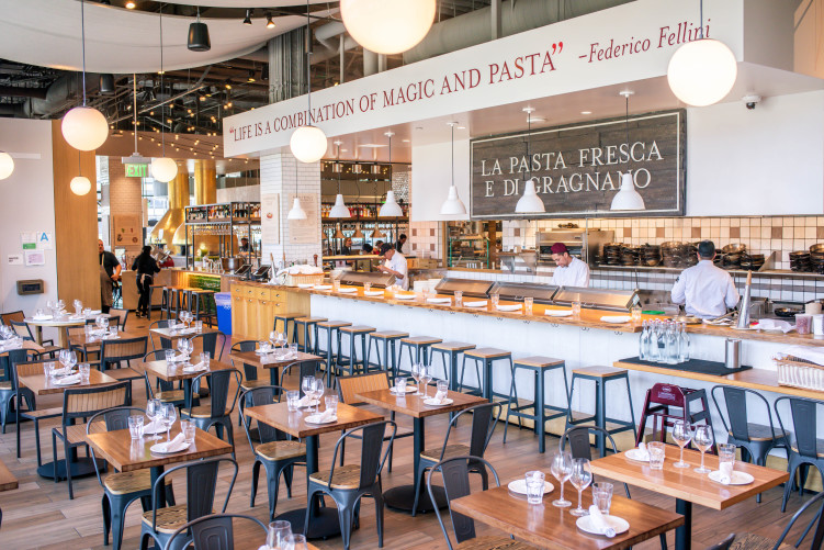 2019_03_March_EatalyLA_Atmosphere_383
