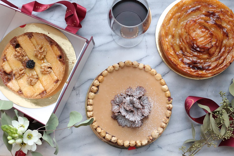 holiday cake pastry