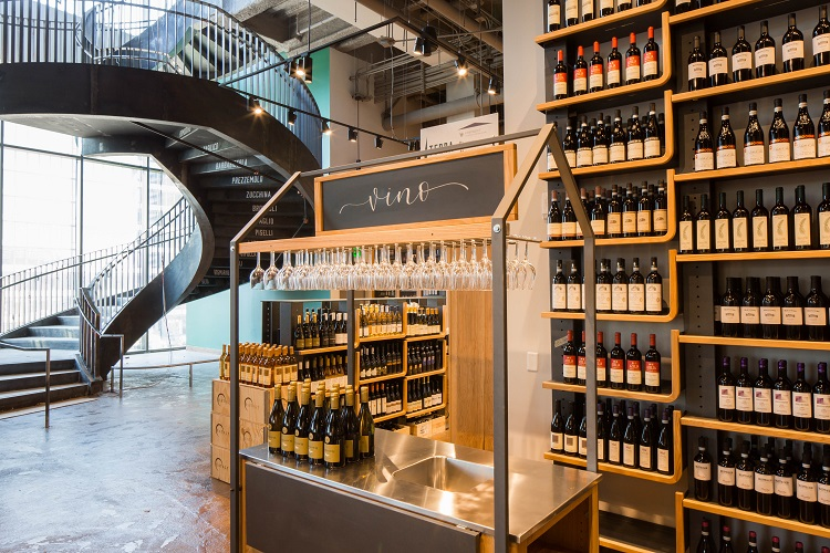 Complimentary Wine Tastings at Eataly