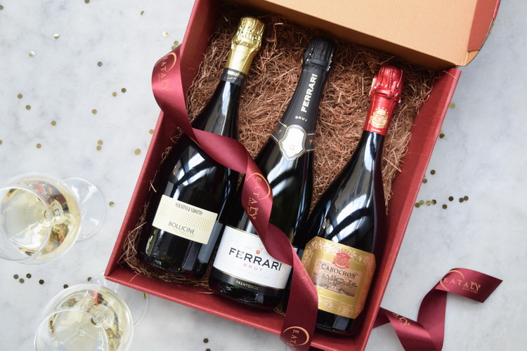wine-club-december-box-holidays-horizontal-web