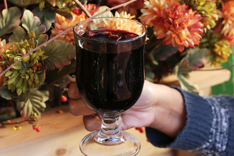 vin brule, an Italian warm cocktail perfect for the winter and holiday season