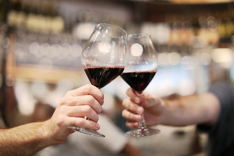eataly-downtown-red-wine-vino-e-grano-cheers