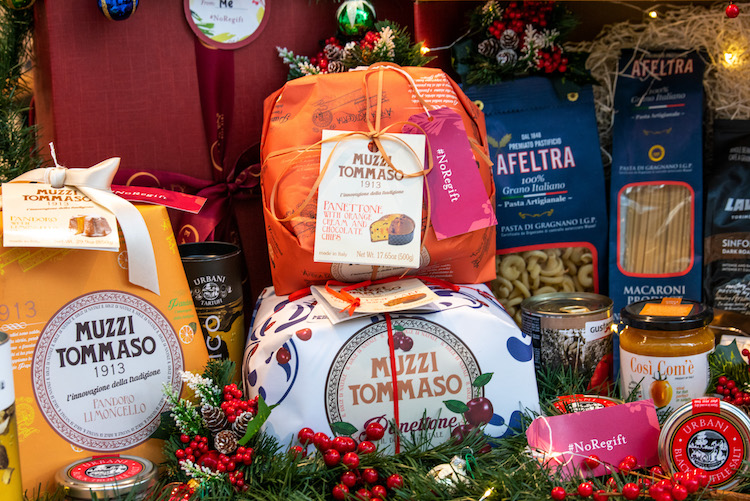 2018_11_holiday-gift-boxes-panettone-2