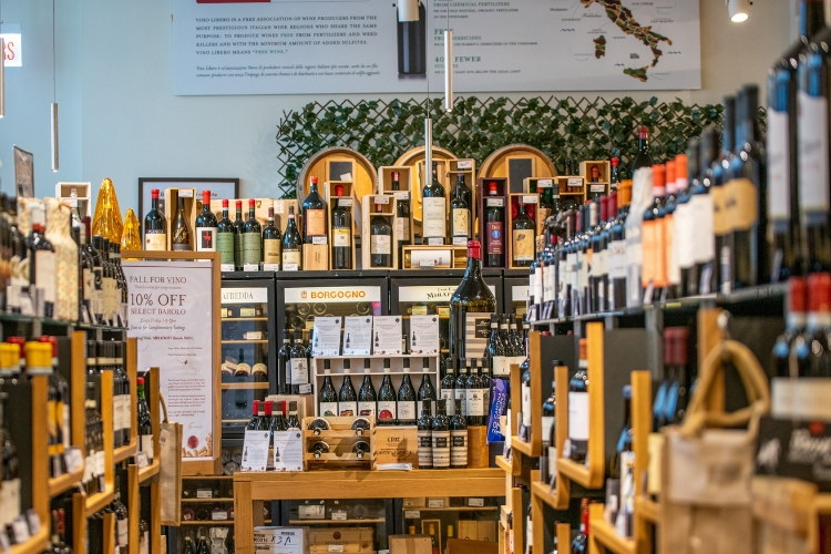 eataly-chicago-wine-shop