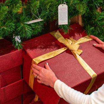 Discover Our Holiday Gift Boxes
