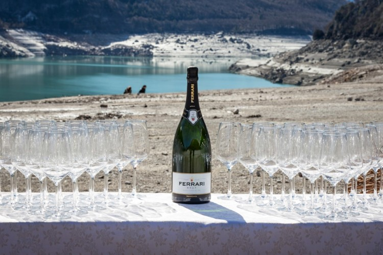 sparkling wine in Italy