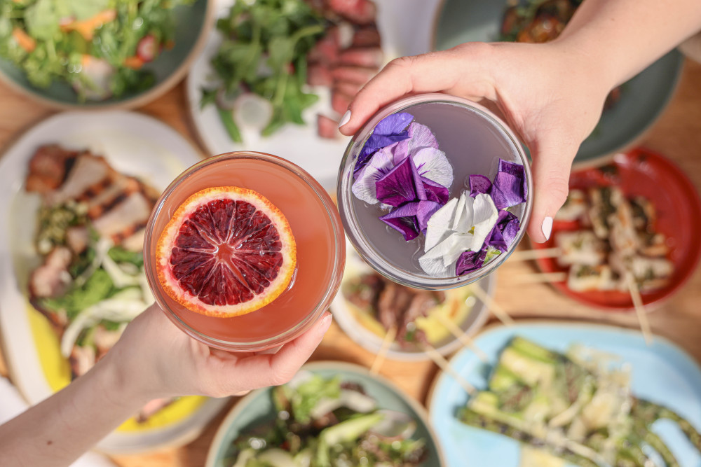 Floral cocktails cheers at NYC rooftop restaurant