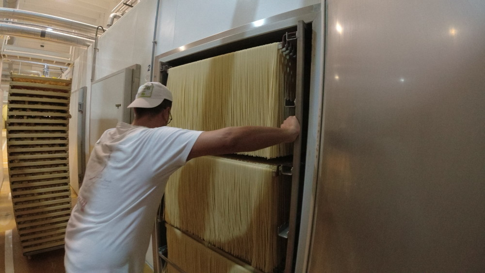 how pasta is made - drying process